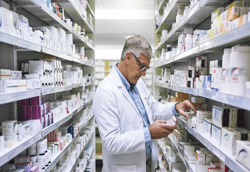 Pharmacists protest against dollar depreciation