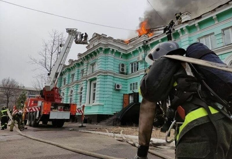 Doctors in Russian clinic perform heart surgery while building is on fire