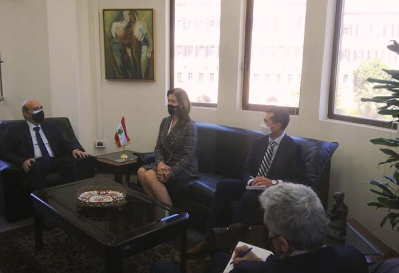 Minister of Foreign Affairs meets with Shea
