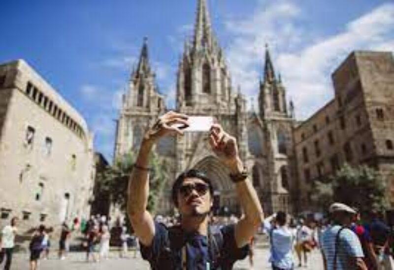 Spain, tourists.