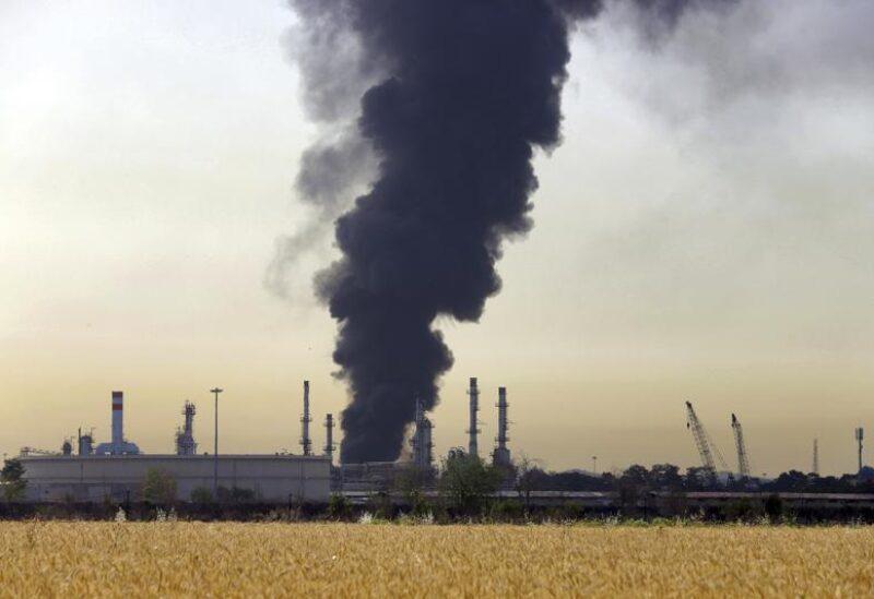Huge fire at refinery near Tehran