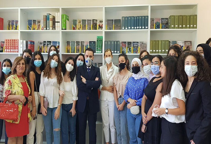 Italian Embassy in Lebanon inaugurates a library in Center for Languages
