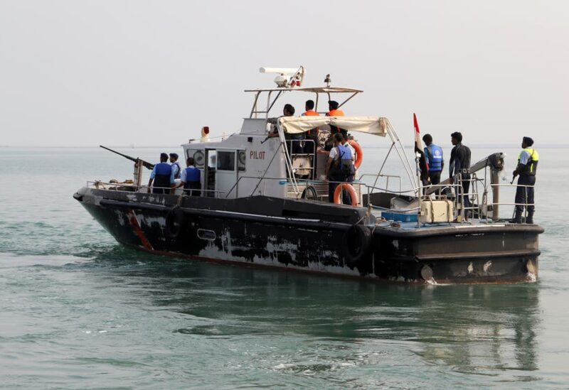 A tug boat (L) ferries members of a Houthi delegation to attend a meeting of a committee overseeing a UN-led peace deal that will be held on board a UN-chartered ship off Yemen's port city of Hodeidah September 8, 2019. (File photo: Reuters)