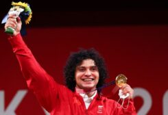 Gold medalist Fares Ibrahim Elbakh of Qatar reacts. (Reuters)